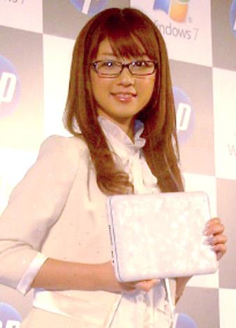 小倉優子の視力は?メガネ姿画像やブランドも調査!普段はコンタクトなの?5