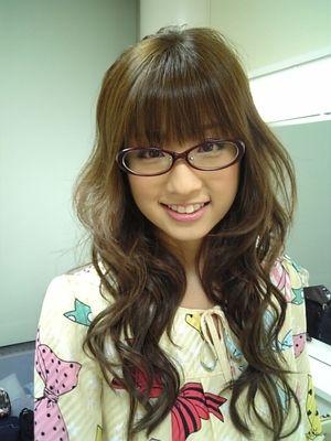小倉優子の視力は?メガネ姿画像やブランドも調査!普段はコンタクトなの?6